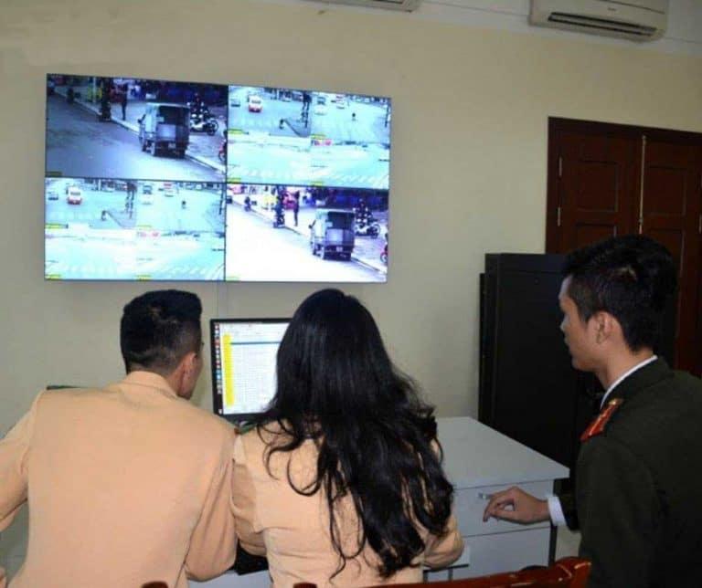 Giám sát học và thi trực tuyến lái xe